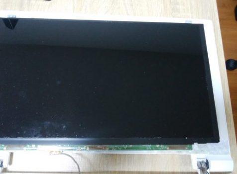 東芝dynabookT55画面不具合での液晶パネル交換